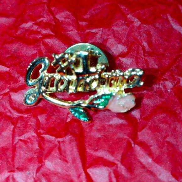#1Grandma Pin/brooch